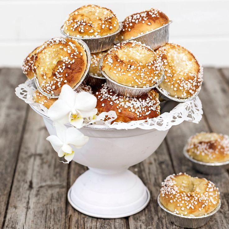 Ljuvligt goda vaniljsmörbullar som bakas i folieformar.