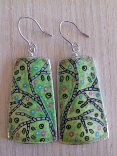 hand painted earrings goodartday.blogspot.com