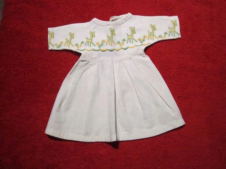 Schöne ältere Puppenkleidung -  Niedliches weißes Kleid / BW