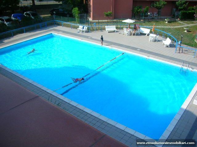 Oltre 20 migliori idee su case con piscina su pinterest for Allergia al cloro delle piscine
