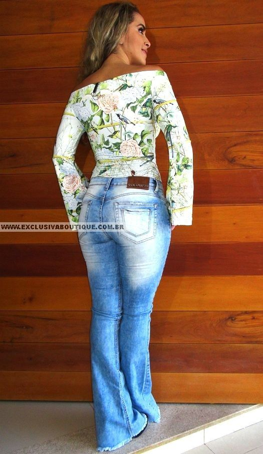 Calça Lança Perfume Jeans Claro Flare Alto Inverno 15, 98% algodão, 2% elastano; modelo veste 38