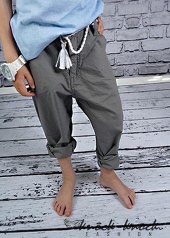 """• spodnie chłopięce •klasyczny prosty krój nogawki. Od najmodniejszych chinosów po spodnie """"na kantkę"""" jak proponuje w tym sezonie Prada  kolor: szary melanż. Do kupienia na: mail: knocknock.fashion@gmail.com fb: https://www.facebook.com/pages/knock-knock-fashion/230430617163127?ref=hl instagram: http://instagram.com/knock_knockfashion#"""