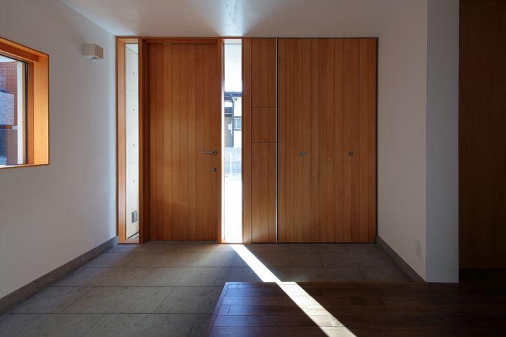 コンクリート・RC造の家 鉄筋コンクリート住宅 -木製窓の生活空間- アーキッシュギャラリー