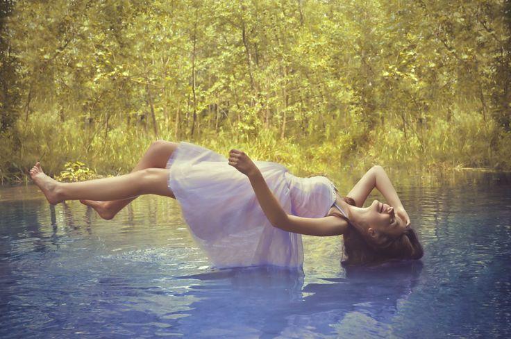Water levitation by Mirosław Sycz on 500px
