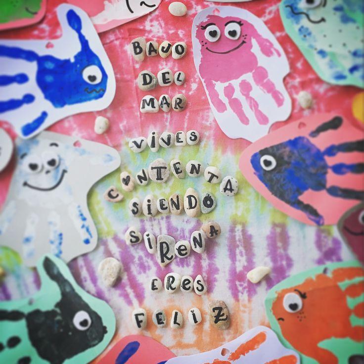 Playuki font + peces manos de Alicia con pintura de dedos