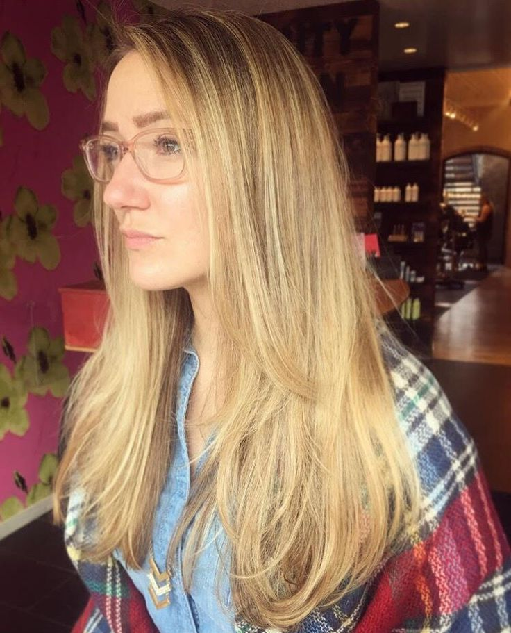 Cut and Color by Josie at Sine Qua Non Salon in West Town and Lakeview. #iamsine #sinequanonsalons #sinequansalon #blondeshavemorefun #hairgoals #hairinspo #hairinspiration #chicagohair #westtownstylists