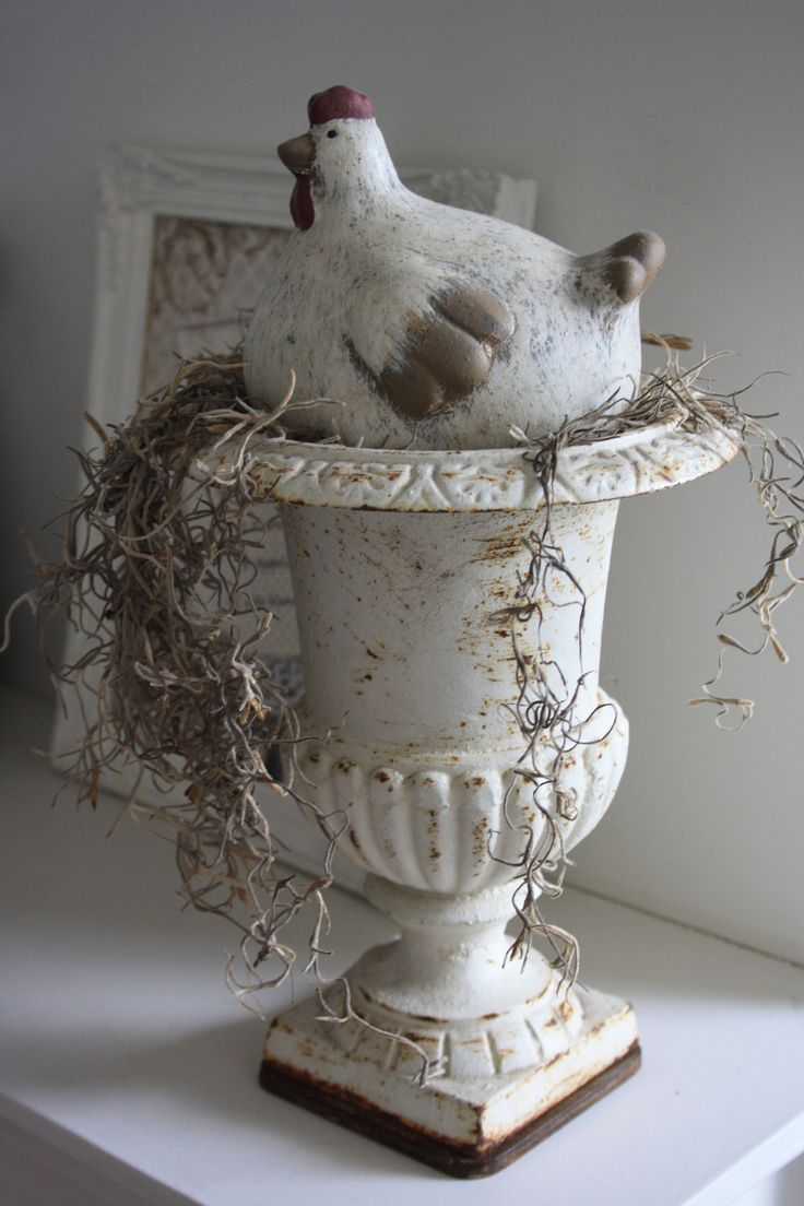 What chicken doesn't need an urn for a nest?