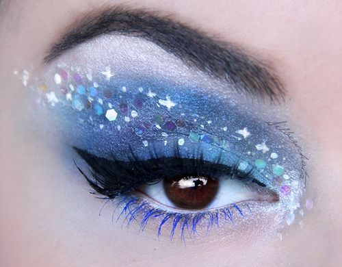 This is such a stunning colour, love the blue and glitter makeup, Christmas, New…