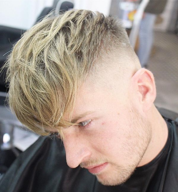 Lange auf Top Frisur mit Textur