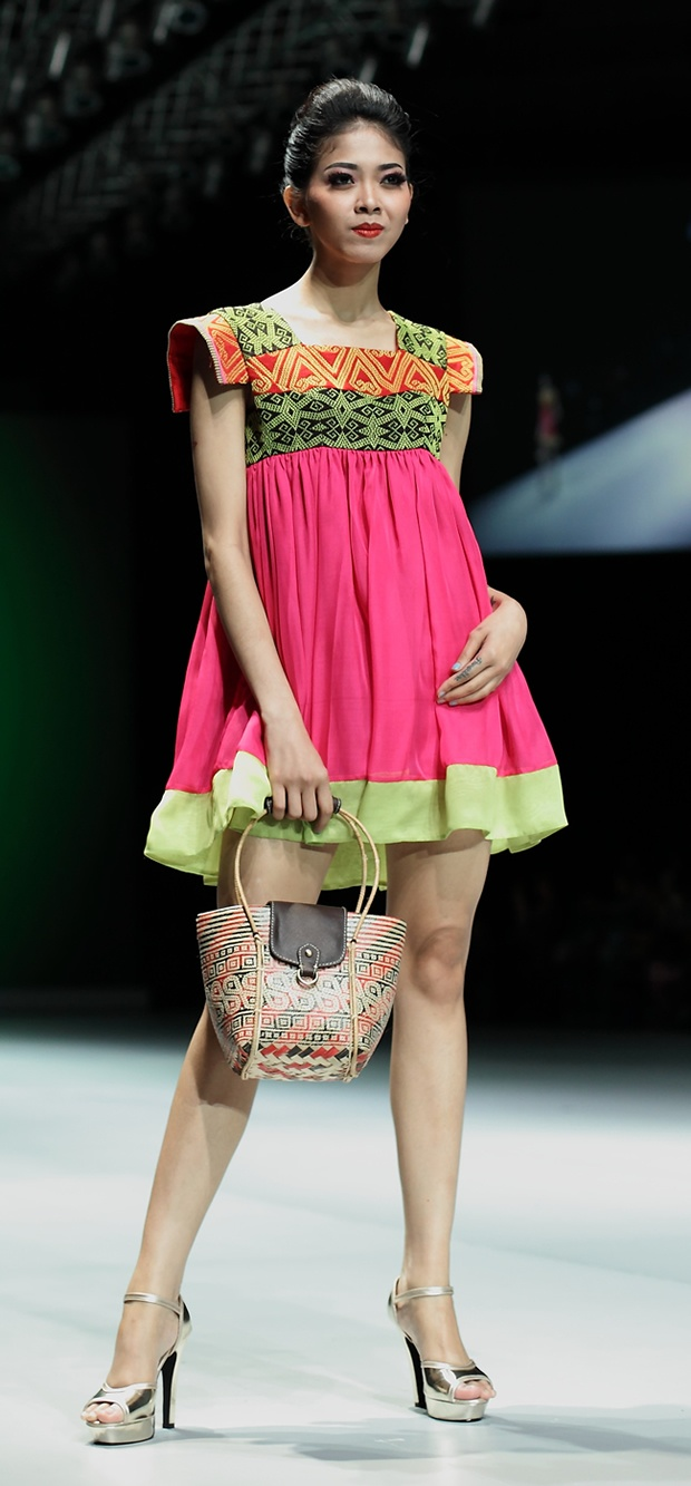Indonesia Fashion Week 2013 # 191 Uke Toegimin – Moven Movement #IFW #Indonesia #batik