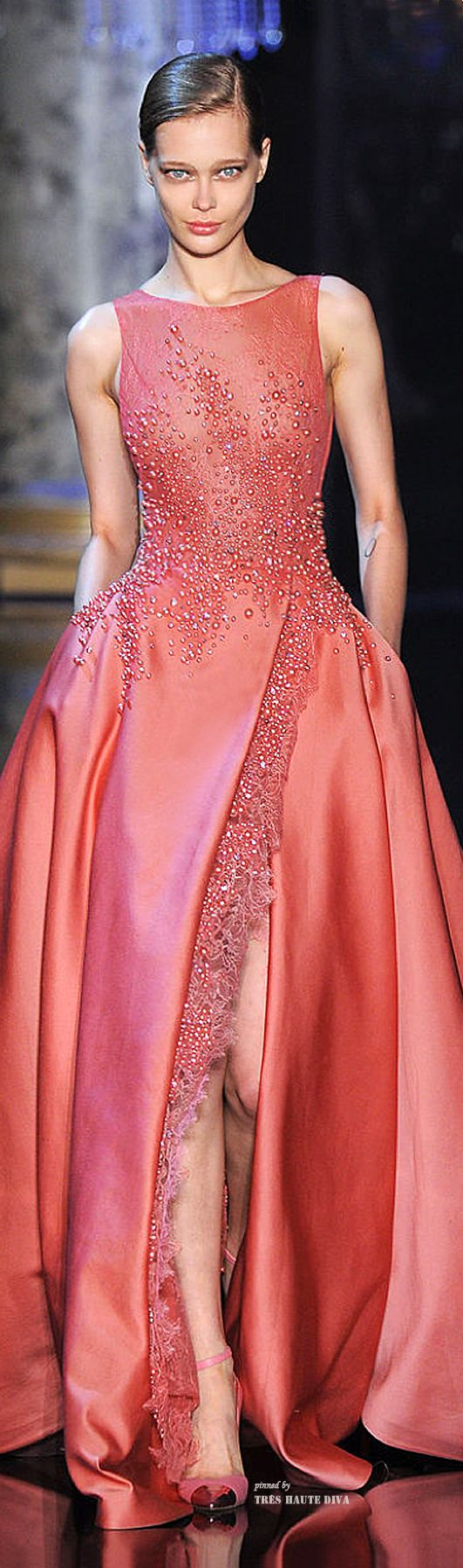 Elie Saab Haute Couture I love the simplicity of this dress and pockets are always a plus.