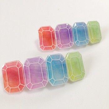 優しい色合いの宝石モチーフのミニバレッタです。 程よい透明感があって綺麗ですね。