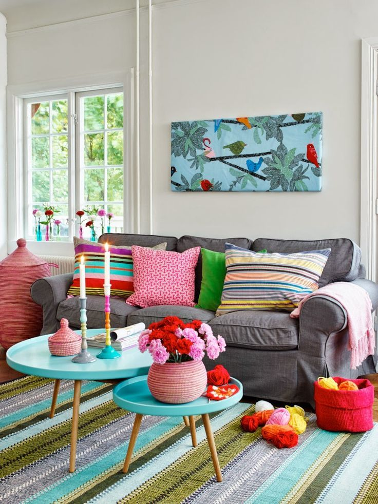 17 best ideas about bright colored rooms on pinterest for Bright coloured living room ideas