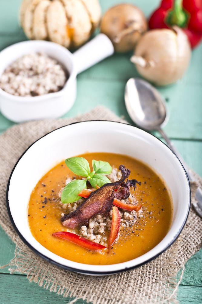 Kuchenne Szaleństwa: Zupa-krem z pieczonej papryki i dyni z kaszą grycz...