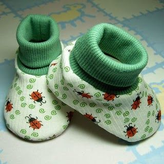 Cuffed baby shoe tutorial. Pay for pattern, but instructions available