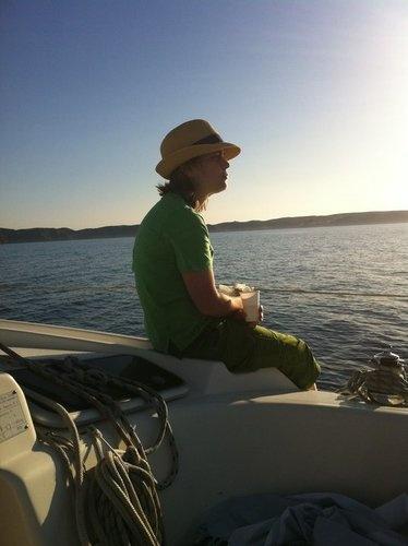 ...el Mediterráneo. Un paseo por el mar, un atardecer salino.