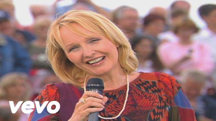 Kristina Bach - Es war keine Nacht zuviel (ZDF-Fernsehgarten 12.09.2004)