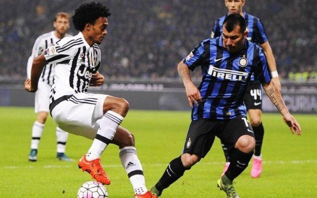 Al Meazza c'è Inter-Juventus di Coppa Italia, ecco i 22 in campo Alle ore 20.45 Inter e Juventus si sfidano allo stadio 'Giuseppe Meazza' per la semifinale di ritorno di Coppa Italia: si parte dal 3-0 in favore dei bianconeri. I nerazzurri di Roberto Mancini cerch #coppaitalia #inter #juve #formazioni