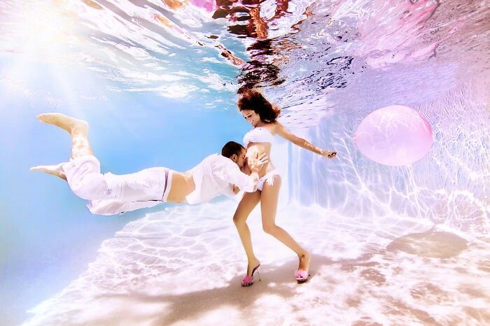 Magic and amazing pregnancy underwater photoshoot pin first discovered by alessandra minko :) pink baloon high heels pregnant beautiful advert better than vogue ♡♡♡