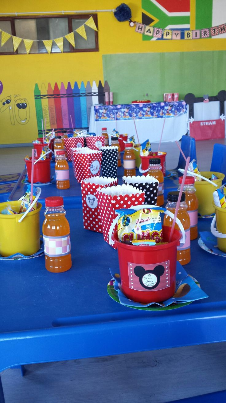Mickey mouse themed party table