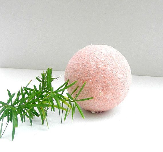 A ditox spa at your home ! Homemade #bath bombs made from Epsom #salts, combined with bicarbonate soda, citric acid ,  almond oil , Snt James wort  oil  orange and grape fru... #antiseptic #anti-microbial #etteam #egst