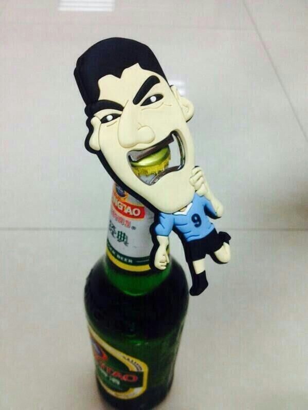 Open it /w a Suárez bottle opener!