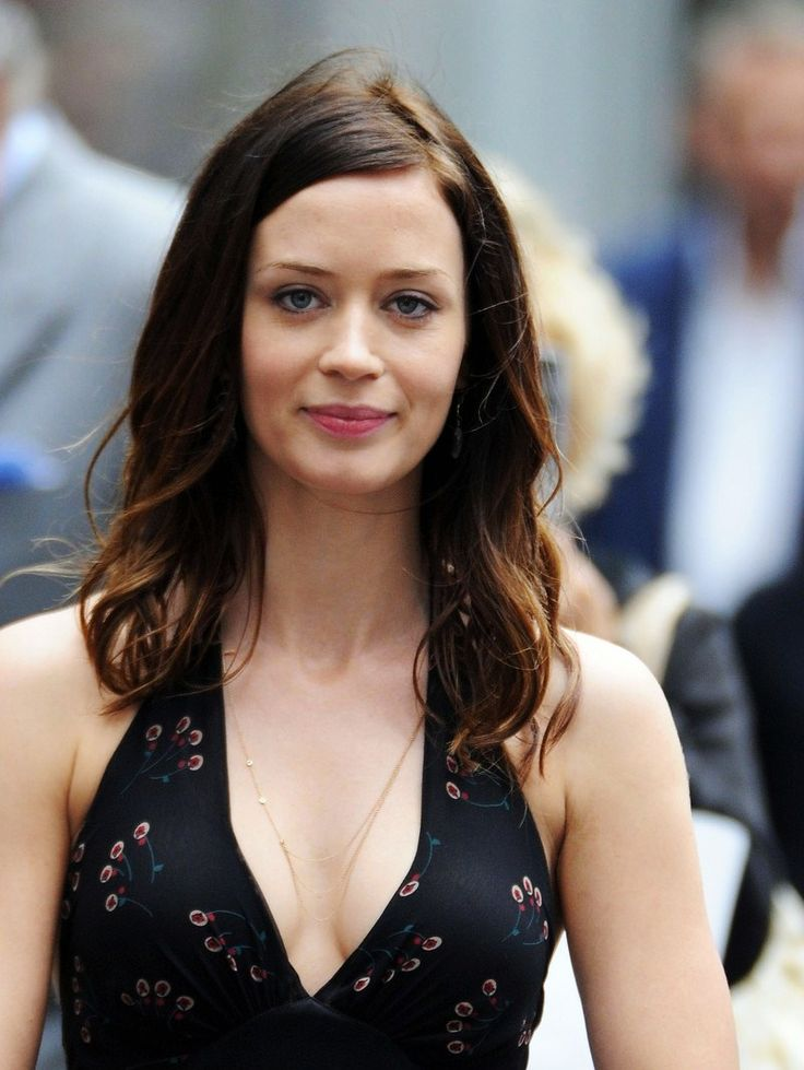Emily Olivia Leah Blunt (born 23 February 1983) is an ... Emily Blunt