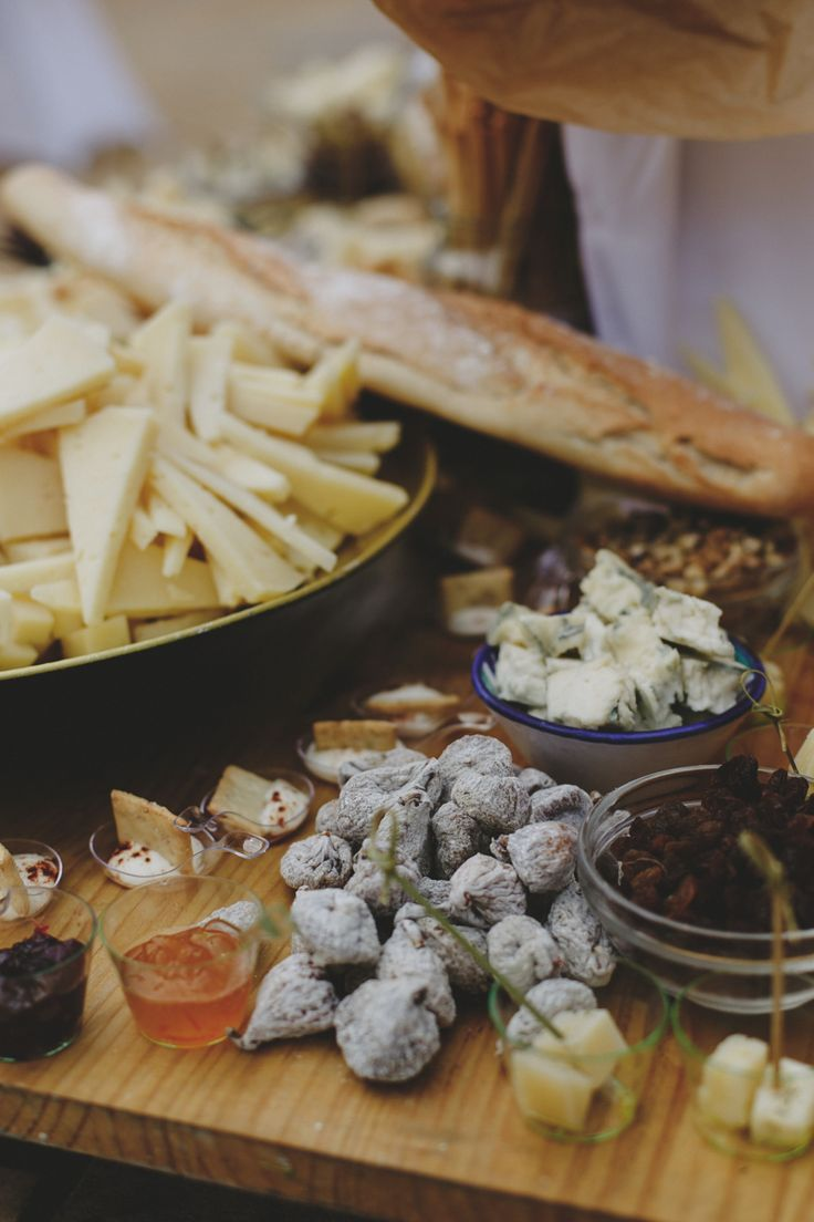 Cheese Buffet, Torre del Rey, Granada (Spain)  www.cristinaruizfoto.com  #cheese #weddingfood #weddingideas