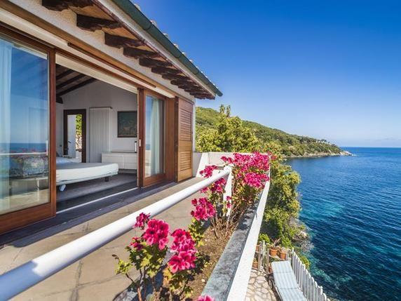 Luxury real estate in Marciana Marina Italy - Exclusive Villa pieds dans l'eau in Elba Island - JamesEdition