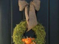 Pompoenkrans. Mooi en sfeervol! #krans #mos #pompoenen #karelhendriksen #tuincentrum #KH_TC