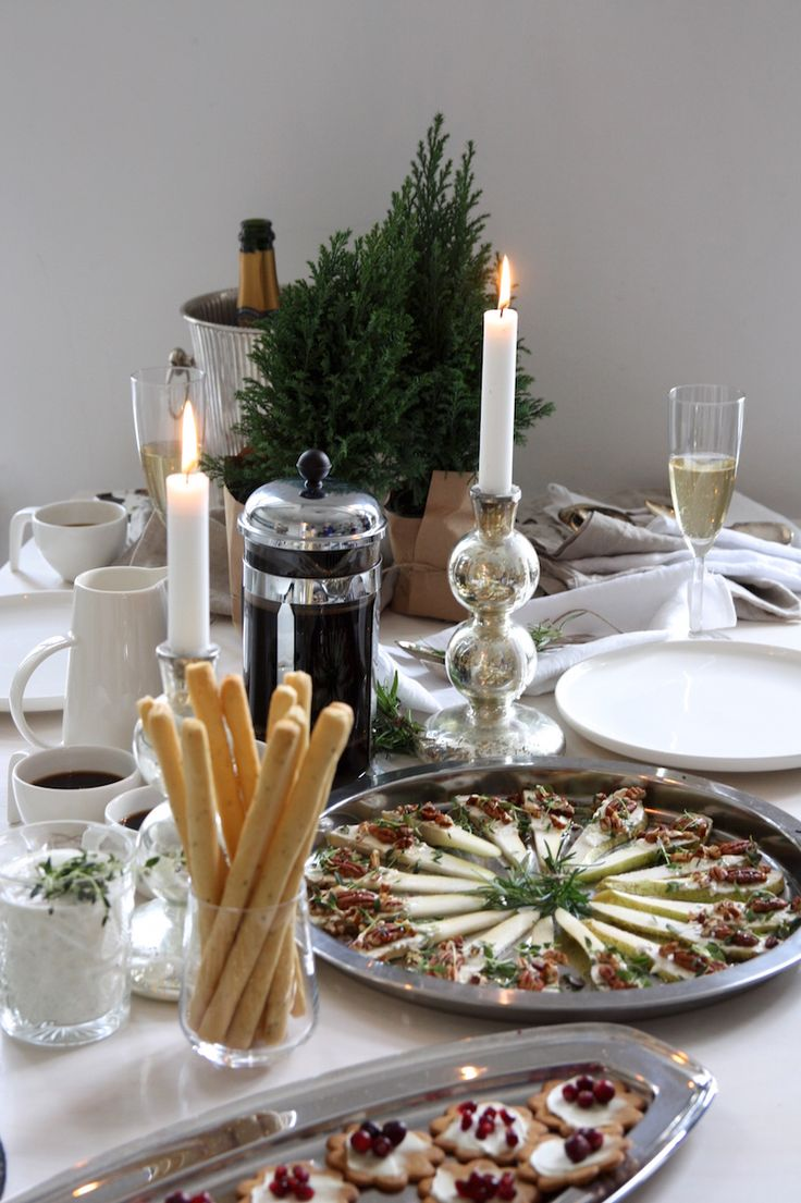 Homevialaura | pre-Chritmas party and brunch | table setting | Arla-tuorejuustot