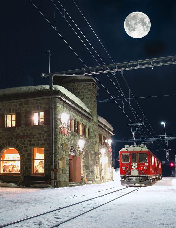 Alp Grüm - Ospizio Bernina Besonders romantisch und eindrucksvoll ist der Vollmond natürlich in den Bergen