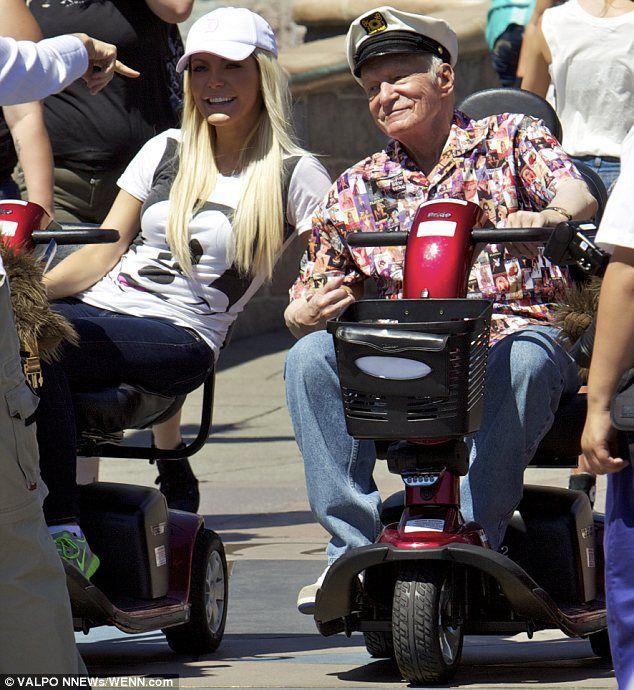 27 best images about hulpmiddelen on pinterest for Motorized scooter rental disneyland