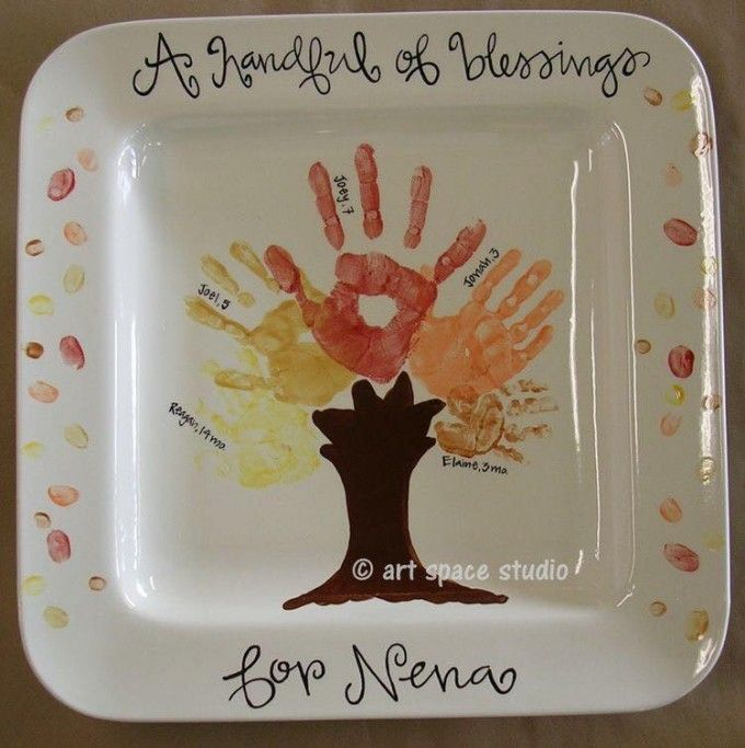 A Handful of Blessings Fall Tree Plate....these are the BEST Handprint & Footprint Ideas!