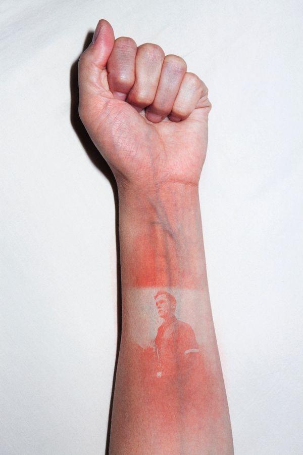Thomas Mailaender's Uncomfortable Sunburn Art: Using Human Bodies As An Unsual Canvas