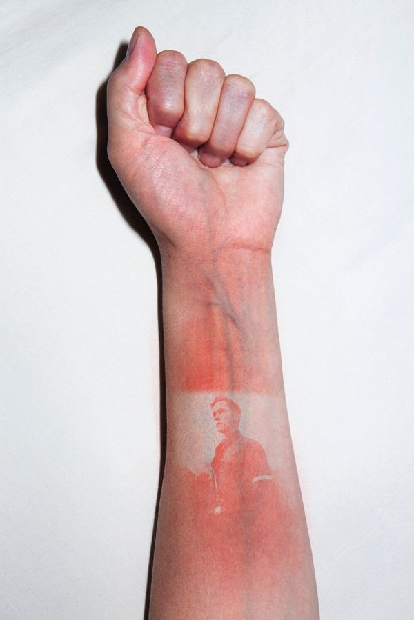 Thomas Mailaender's Uncomfortable Sunburn Art: Using Human Bodies As An Unsual Canvas