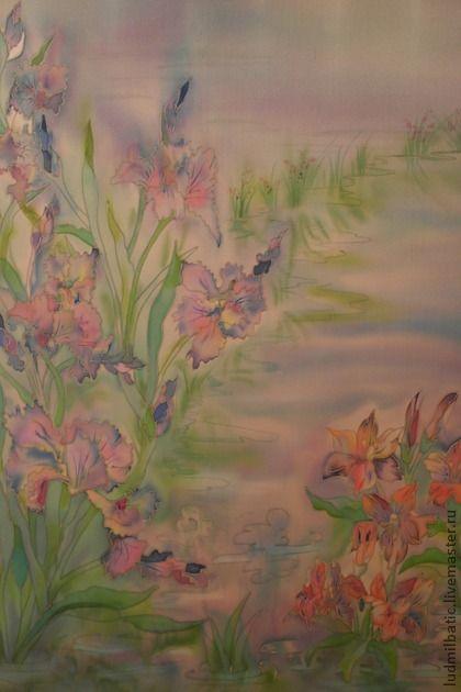 Ирисы. Картина 'Ирисы' выполнена в технике незамкнутого контура на атласе. Размер картины: 60х50. Прекрасные, нежные и изящные цветы ириса на блестящем атласе выглядят особенно эффектно! Эти цветы отлично украсят любую комнату в вашем доме!