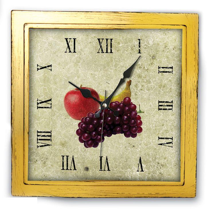 Kare Mutfak Duvar Saati  Ürün Bilgisi ;  Ürün maddesi : Plastik çerceve, Gerçek cam Ebat : 27 x 27 cm  Mekanizması (motoru) : Akar saniye, saat sessiz çalışır Kare Mutfak Duvar Saati Saat motoru 5 yıl garantilidir Yerli üretimdir Duvar Saati sağlam ve uzun ömürlüdür Kalem pil ile çalışmaktadır Gördüğünüz ürün orjinal paketinde gönderilmektedir. Sevdiklerinize hediye olarak gönderebilirsiniz