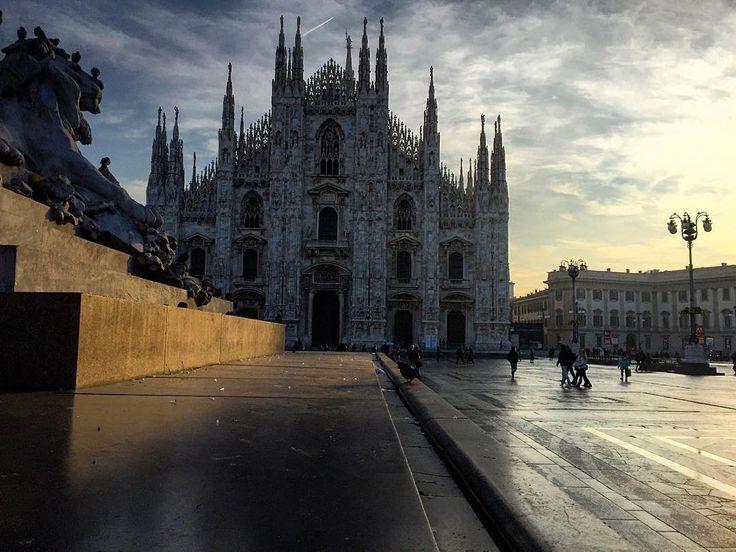#Goodmorning Milan #callme_blest #milan #piazzaduomo #milancathedral #duomo #cathedral #art #morning #photo #photographer #milanphoto #pic #photooftheday #istagram #igersmilano #igersitalia #igerslombardia #starttheday #startwell #iphone6