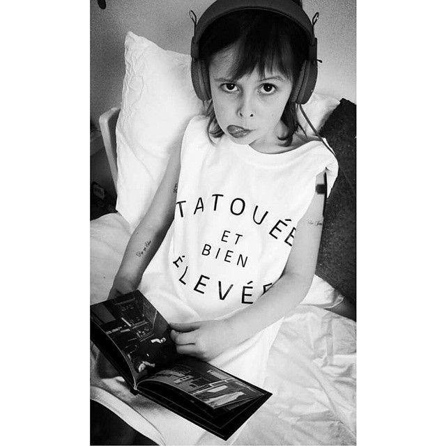 Les dessous d'une seance photo en mode sale gosse avec un tshirt @storedeparis et les tattoos de son Julien! #juliendoré #tattoo #storedeparis #salegosse #tatouage #doré #music #tatoueeetbienelevee #cestvitedit #løvelive  #løve