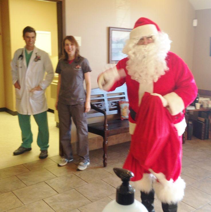 SANTA! #foxcreekveterinaryhospital