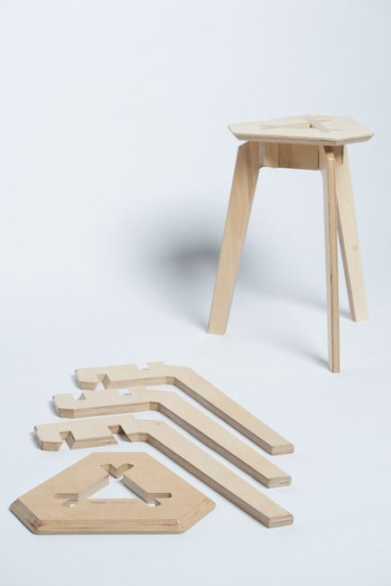 Press kit | 884-04 - Press release | HEC Project 2014 Edition - Faculté d'aménagement de l'Université de Montréal - Industrial Design - Trois<br><br>Trois is a mountable stool that can easily be disassembled. Made up of 4 pieces of plywood that fit together perfectly, no hardware is necessary to hold the structure in place. Its straight forward and refined aesthetic stems from its simplified mecanism of assembly.<br><br>François Corriveau<br>Léo Gaudreault Arsenault<br>Jérôme ...