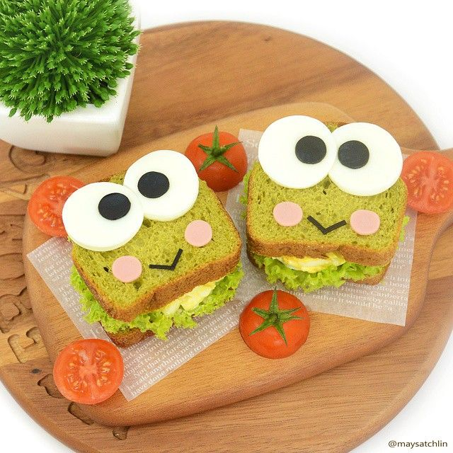 kawaii food art Keroppi sandwiches