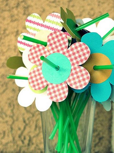 Click pic for 28 Spring Crafts for Kids - Spring Straw Flowers | Spring Craft Ideas for Preschoolers