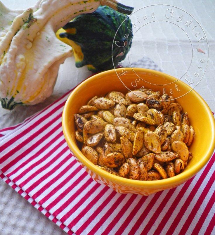 récupérer les graines des courges, les faire sécher une nuit, puis, un peu d'huile et d'épices, et au four 10mn.