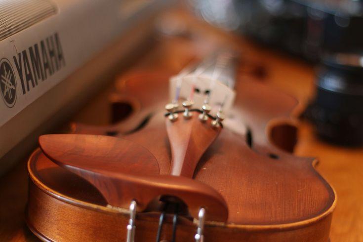 #blur #brown #lens #music #song #violin #yamaha