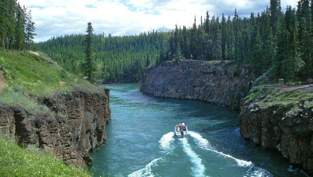 Río Yukon, cerca de Whitehorse, Canadá © Pecold / Shutterstock