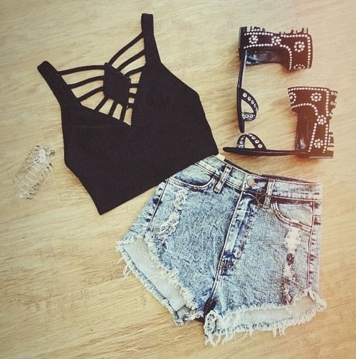 black crop top + high waisted jean shorts + different shoes =perfect summer outfit