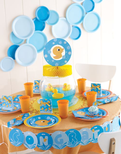 Rubber Ducky Baby Shower. Plastic plate as decorations! Great Idea!