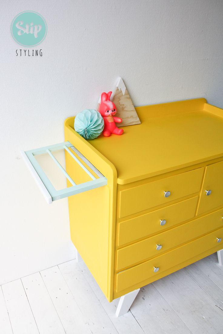 Vintage commode knal geel | Stip styling